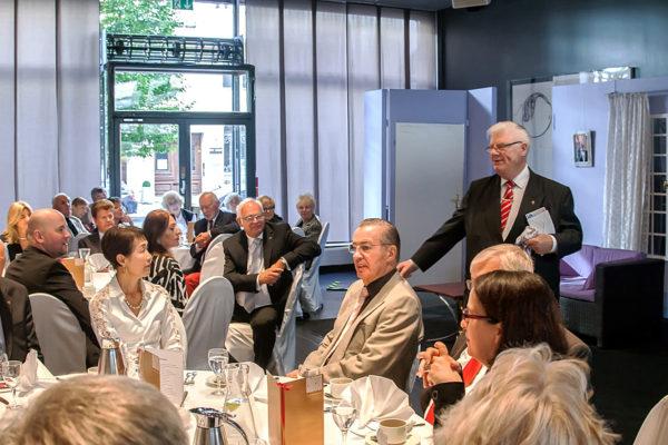 CCB- Präsident Dr. Joachim Wander begrüßt die Gäste im Ellington Hotel