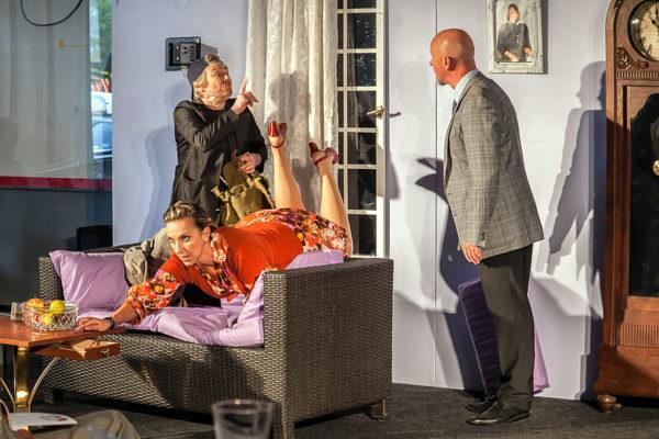 DER DIEB DER NICHT ZU SCHADEN KAM vorgetragen vom Moabiter Theaterspektakel