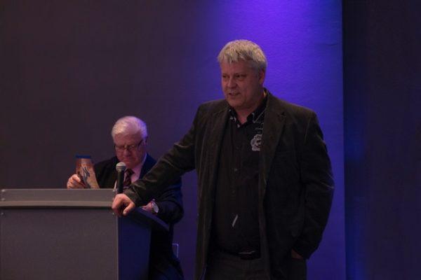 Als Gast begrüßt der Präsident Herrn Ingo Zergiebel, Hauptmann der Bundeswehr und Vorstandsmitglied bei Hertha BSC.